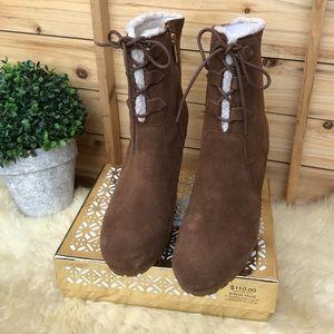 🍁🍂Michael Kors cozy ankle booties chestnut Sz 8